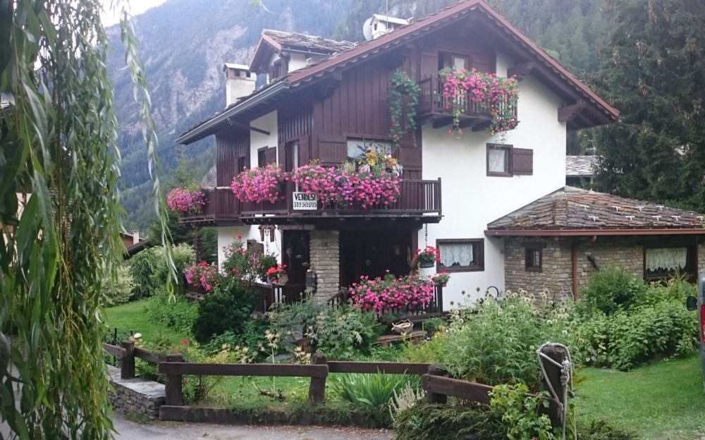 Alpine Chalets in Courmayeur